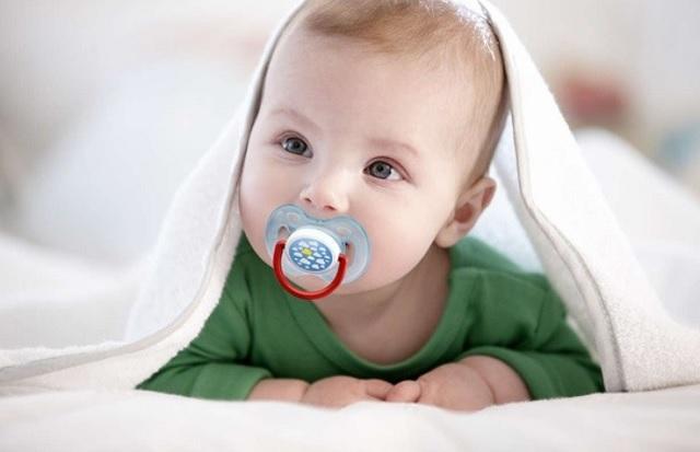 Después de todo, ¿el chupete es realmente el villano del bebé?